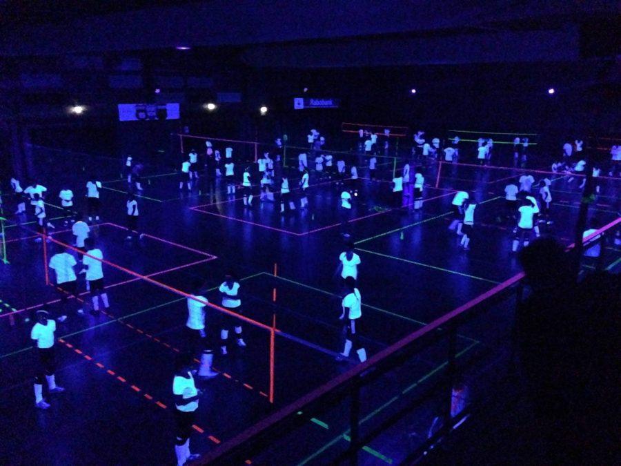Black+Light+Volleyball%3A+Battle+Royale